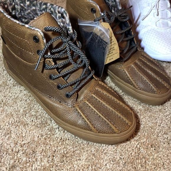 c60549b920c767 Vans (ugg type) MENS all weather proof boots